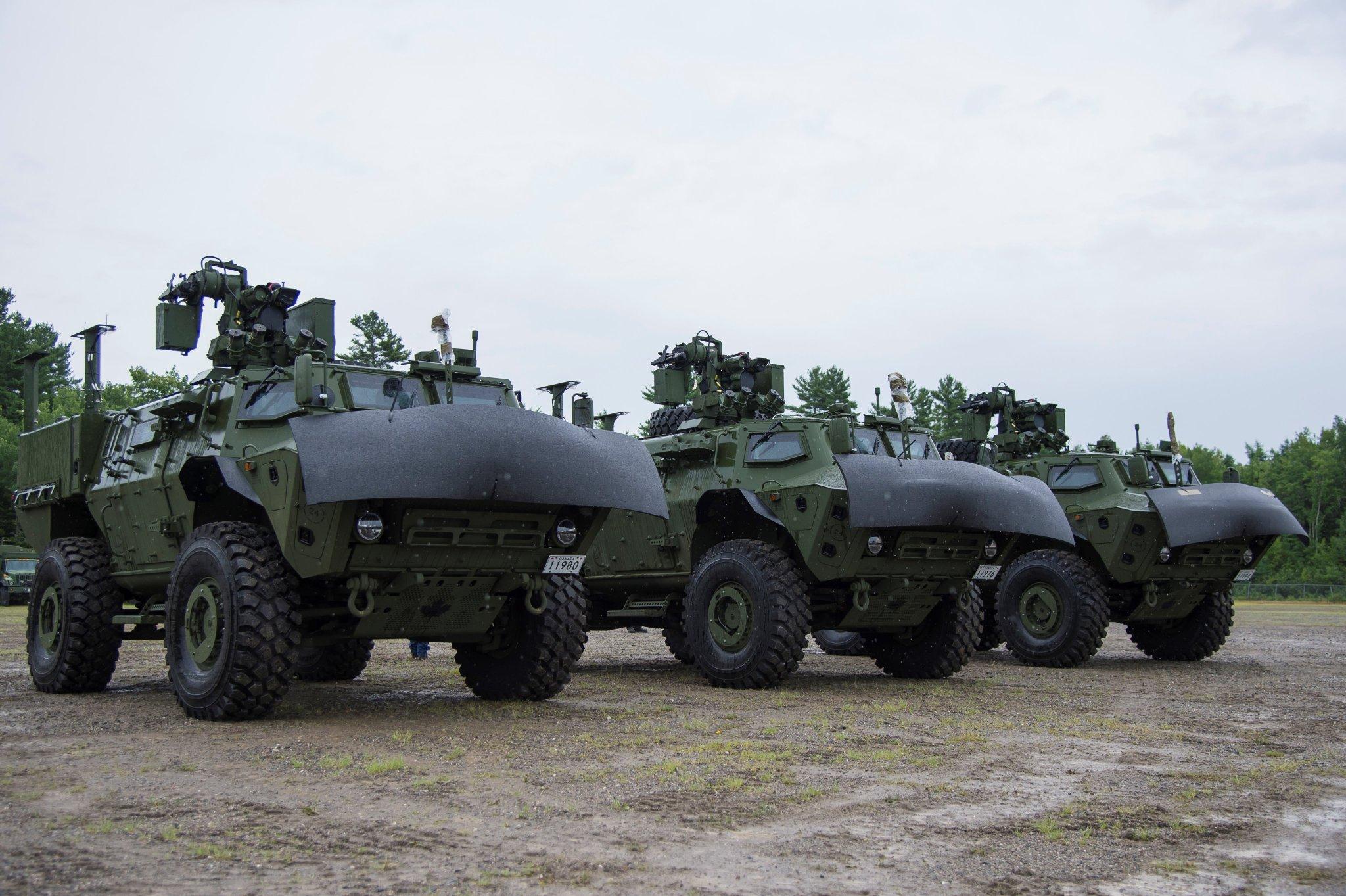 Первые разведывательно-патрульные бронированные машины Textron TAPV, полученные канадской армией. Гейджтаун (Канада), 12.08.2016.