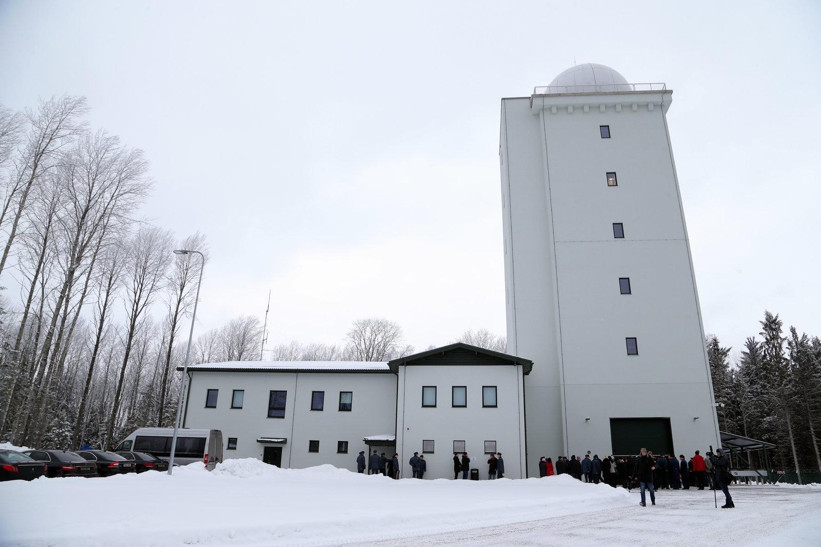 Башня радиолокационного поста с установленной РЛС ThalesRaytheonSystems Ground Master GM403 ВВС Эстонии в Тойка (Отепяя). 27.01.2015.