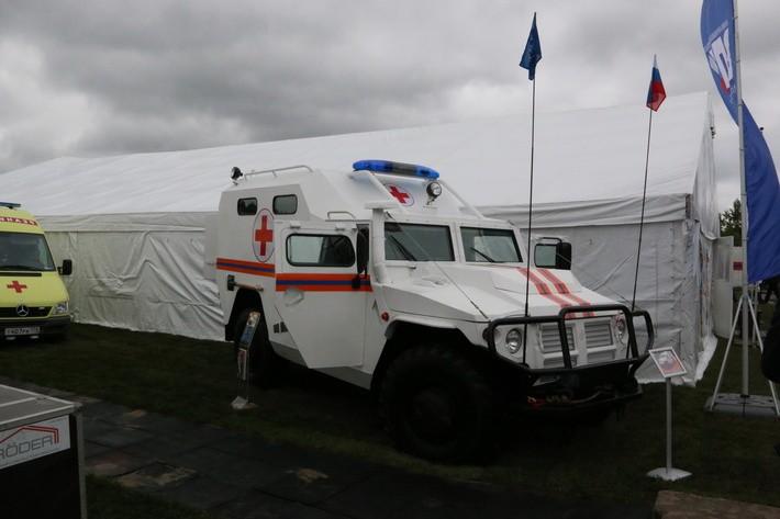 Бронированный медицинский автомобиль «Тигр Айболит».
