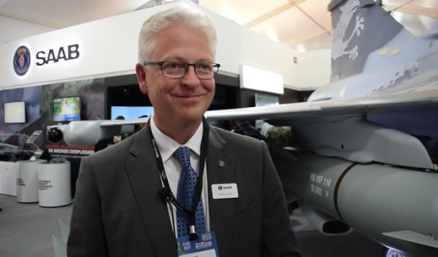 Глава представительства группы Saab АВ в Колумбии Томас Линден.