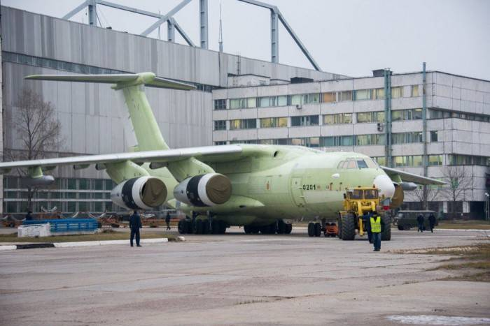 Топливозаправщик Ил-78М-90А.