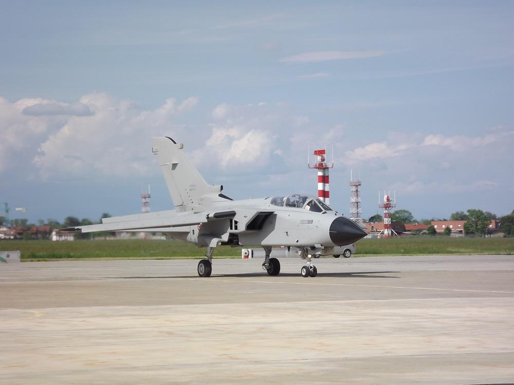 Самолет разведки и РЭБ Tornado ECR MLU. Источник: www.aleniaaermacchi.it.