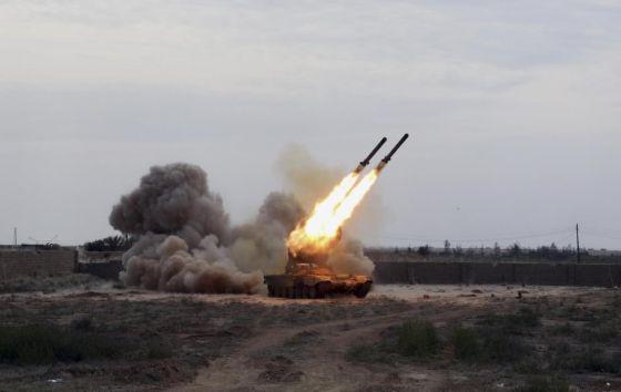 """Тяжелая реактивная огнеметная установка БМ-1 системы ТОС-1А """"Солнцепек"""""""