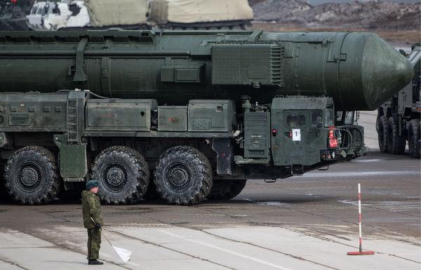 """Транспортно-пусковая установка комплекса РС-24 """"Ярс"""""""
