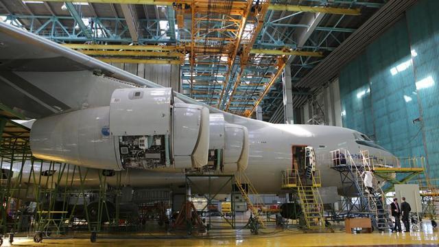 Транспортный самолет Ил-76МД-90А на авиастроительном заводе «Авиастар-СП» в Ульяновске