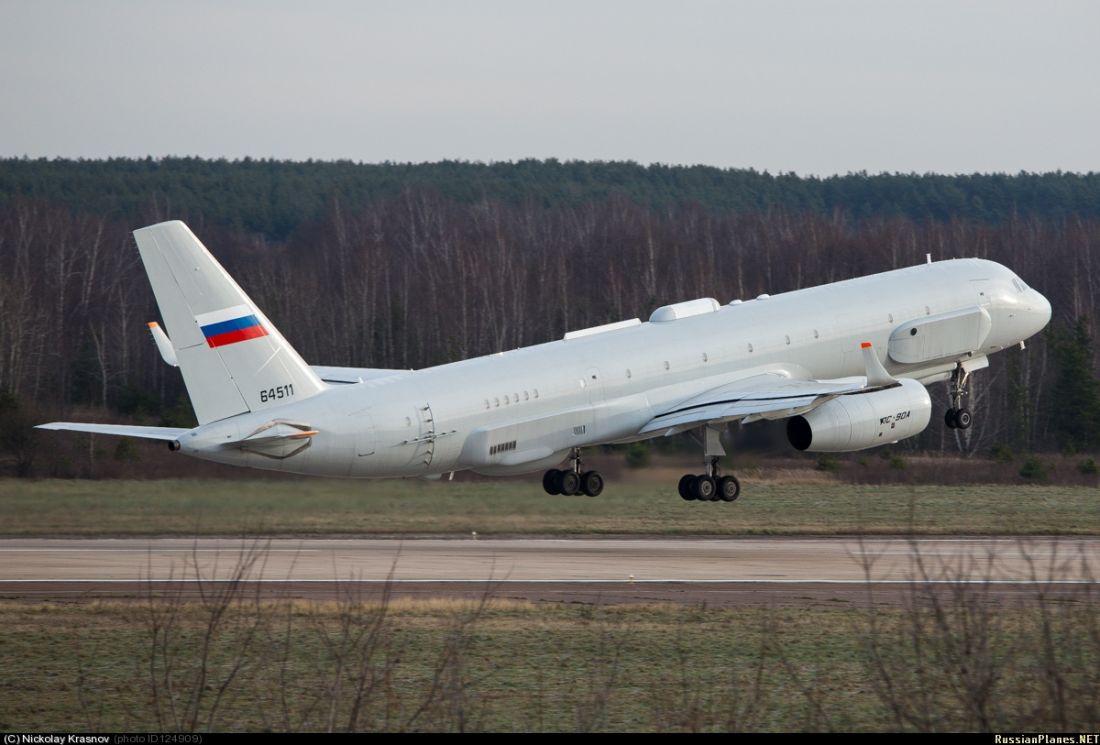 Самолет комплексной разведки Ту-214Р (регистрационный номер 64511, заводской номер 42305011, серийный номер 511). Жуковский, ноябрь 2013 года.