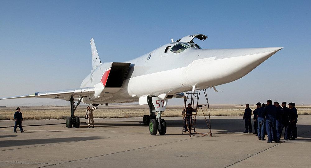 Дальний бомбардировщик Ту-22М3 ВКС России на иранской авиабазе Хамадан, август 2016 года