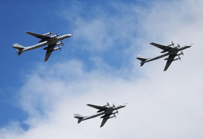 Стратегические бомбардировщики Ту-95МС.