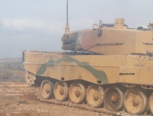 """Турецкий танк """"Леопард-2А4"""", поврежденный в ходе операции """"Оливковая ветвь""""."""