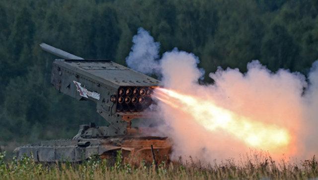 Тяжёлая огнемётная система залпового огня на базе танка Т-72 ТОС-1 Буратино. Архивное фото.