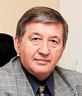 Председатель Совета директоров ЗАО «Двигатели «Владимир Климов – Мотор Сич» Анатолий Петрович Ситнов. Генерал-полковник Ситнов в 1994-2000 годах был начальником вооружения Вооруженных сил Российской Федерации.