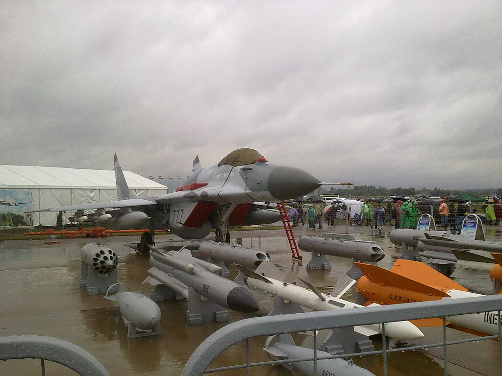 Российский одноместный истребитель МиГ-29СМТ, модернизированный вариант МиГ-29СМ