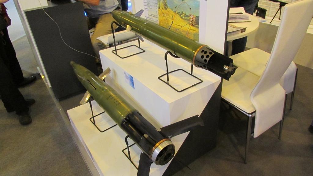 Снаряды 152мм и 125мм.