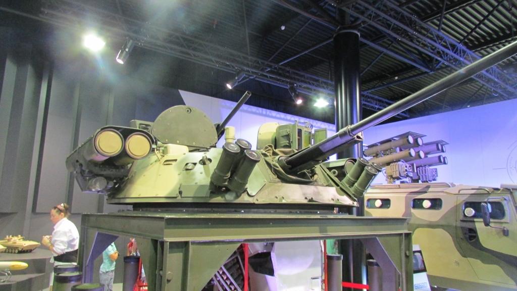 """БМ для бронетехники с управляемыми ракетами """"Корнет-Э""""."""