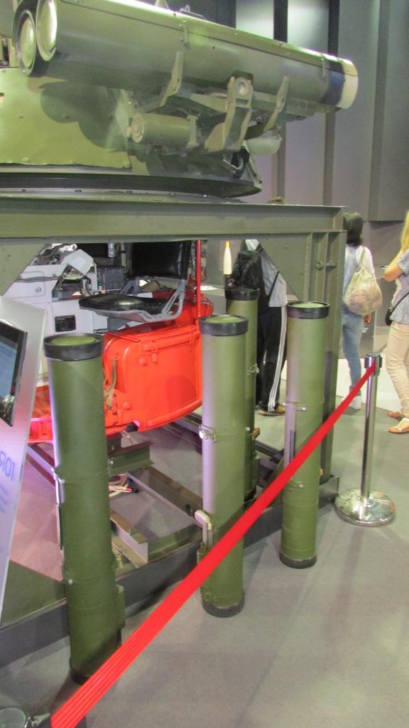"""БМ для бронетехники с управляемыми ракетами """"Корнет-Э"""", боекомплект из Корнетов."""