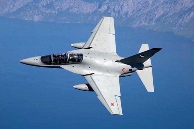 Учебно-боевой самолет Leonardo M-346 Master (T-346А) из состава 61-го полка (61° Stormo) ВВС Италии