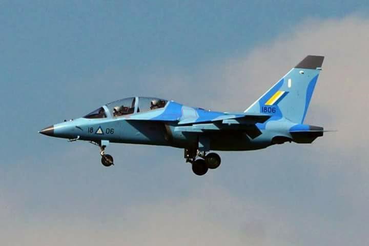 """Учебно-боевой самолет Як-130 ВВС Мьянмы (бортовой номер """"1806"""")."""