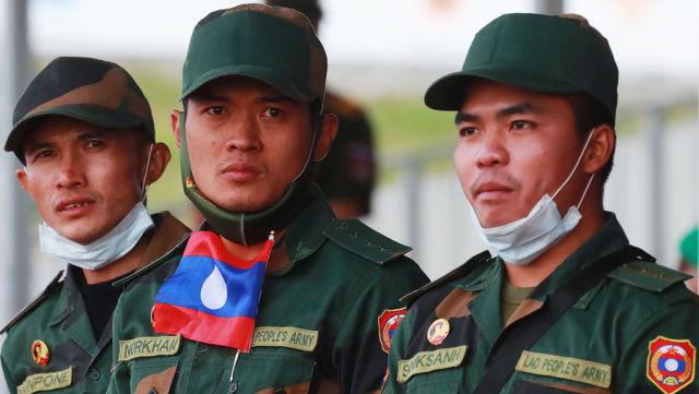 Военнослужащие из Лаоса