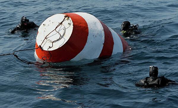 Учения по поиску и эвакуации космонавтов спускаемого аппарата на море во Владивостоке