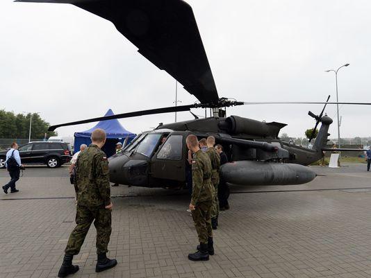 Вертолет UH-60 на выставке в Польше, сент. 2015.