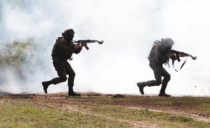 Украинские военнослужащие во время учений Rapid Trident-2017.