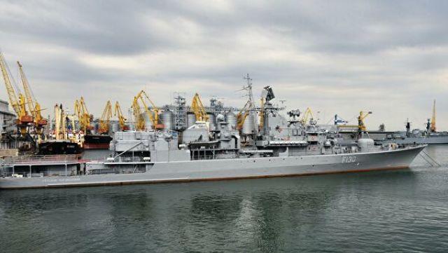 """Украинский фрегат """"Гетман Сагайдачный"""" в морском порту Одессы"""