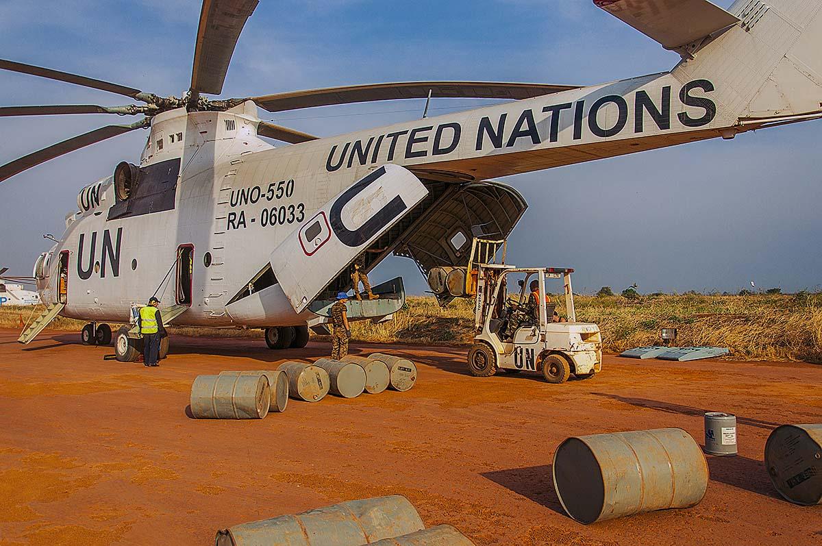Вертолет Ми-26Т миссии ООН в Республике Южный Судан.