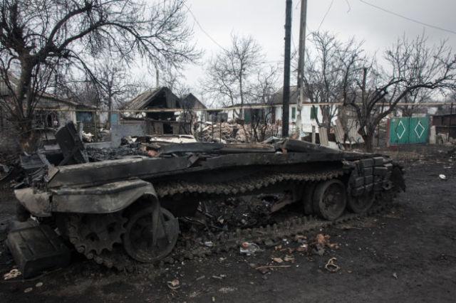 Уничтоженный в Донбассе танк