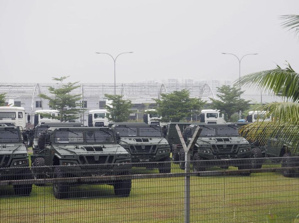Полученные вооруженными силами Сингапура испанские многоцелевые автомобили UROVESA VAMTAC ST5. Ноябрь 2015 года.
