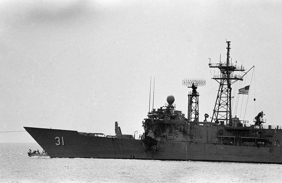 Американский фрегат USS Stark, атакованный иранским самолетом Mirage F4. 19 мая 1987.