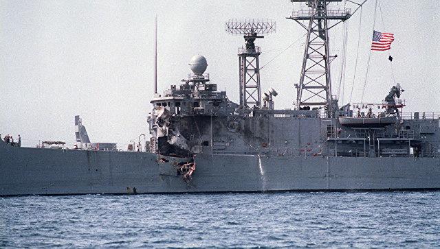 Американский фрегат USS Stark, атакованный иракским самолетом Mirage F4. 17 мая 1987.