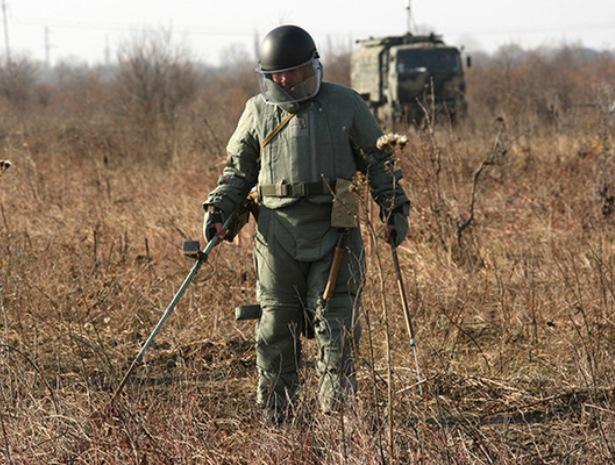 В Чечне продолжаются работы по разминированию территории