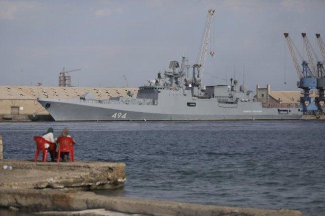 """В феврале фрегат """"Адмирал Григорович"""" первым из боевых судов России зашел в Порт-Судан."""