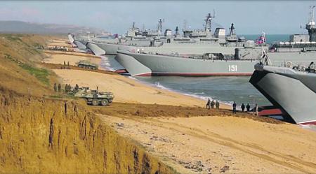 В ходе боевой подготовки в Крыму военные продемонстрировали возможность создания многовидовой группировки сил и средств. Кадр из видео Министерства обороны РФ