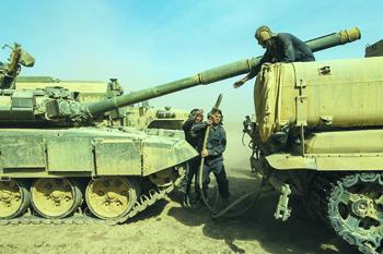 В маневрах приняли участие 12 тысяч военнослужащих и сотни единиц военной техники. Фото www. mil.ru