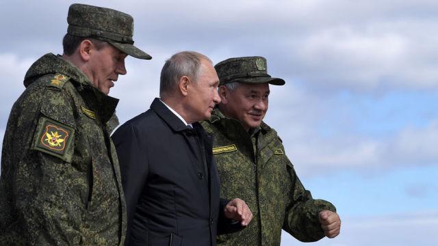 В. Герасимов, В.Путин, С.Шойгу