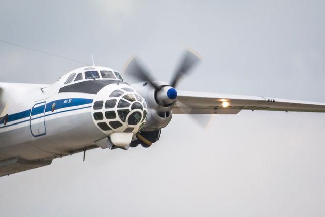 """В кадр случайно попал фоторазведчик Ан-30, используемый для мониторинга территории сопредельных стран по программе """"Открытое небо"""""""