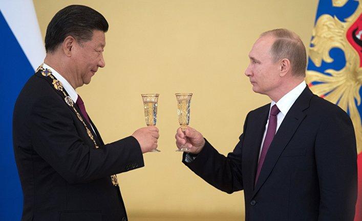 Встреча президента РФ В. Путина и председателя КНР Си Цзиньпина в Москве.