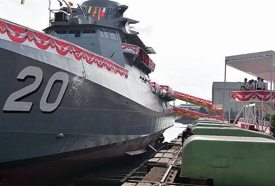 """Корабль """"Фортитьюд"""" класса LMV ВМС Сингапура."""