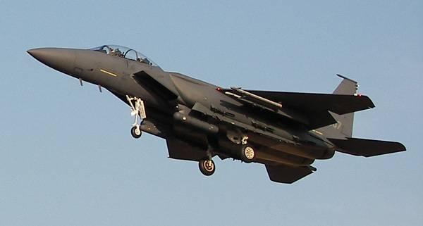 Истребитель F-15K.
