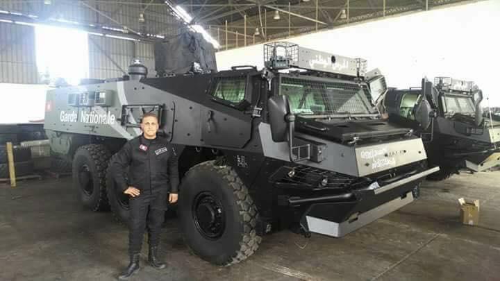 Бронетранспортеры Renault Truck Defense VAB Mk 3 Национальной гвардии и полиции Туниса, март 2017 года.
