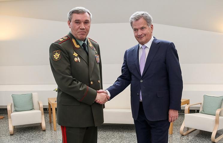 Начальник Генштаба ВС РФ Валерий Герасимов и президент Финляндии Саули Ниинистё.