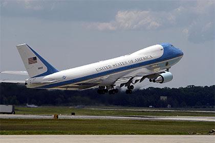 Лайнер B747-200 из парка президента США, стоящий на вооружении ВВС США под обозначением VC-25.