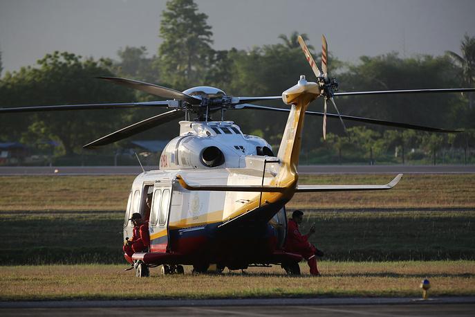 Вертолет Ми-17 пожарно-спасательного подразделения МЧС Малайзии.