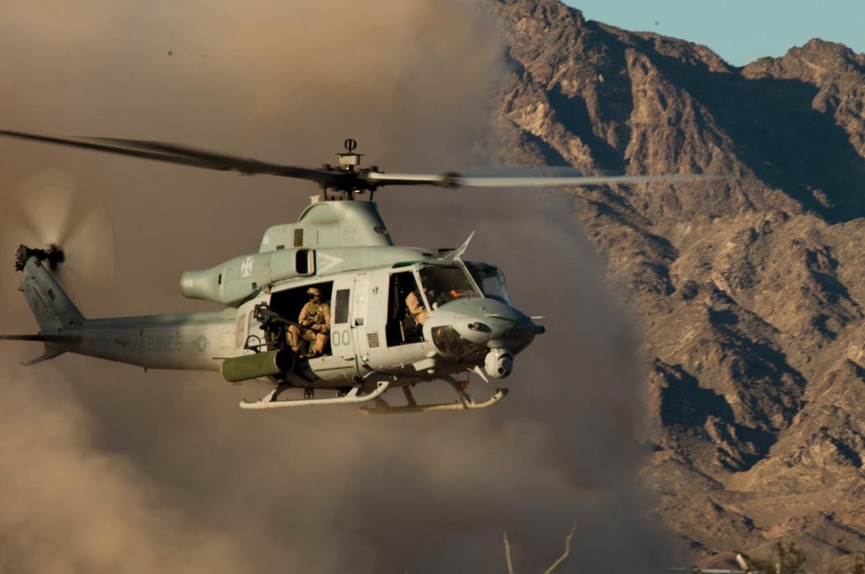 Вертолет Bell UH-1Y Venom Корпуса морской пехоты США в Афганистане.