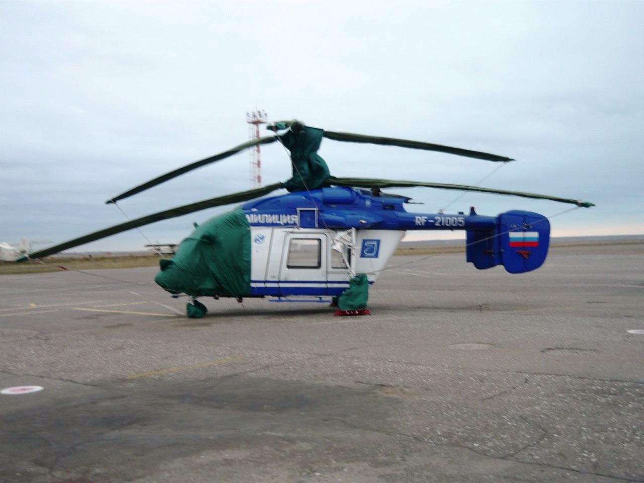 Вертолет Ка-226 (регистрационный номер RF-21005, серийный номер 01-05) постройки 2008 года, эксплуатируемый авиационным отрядом Росгвардии (бывший АОСН МВД России) в Астраханской области. Снимок 2017 года.