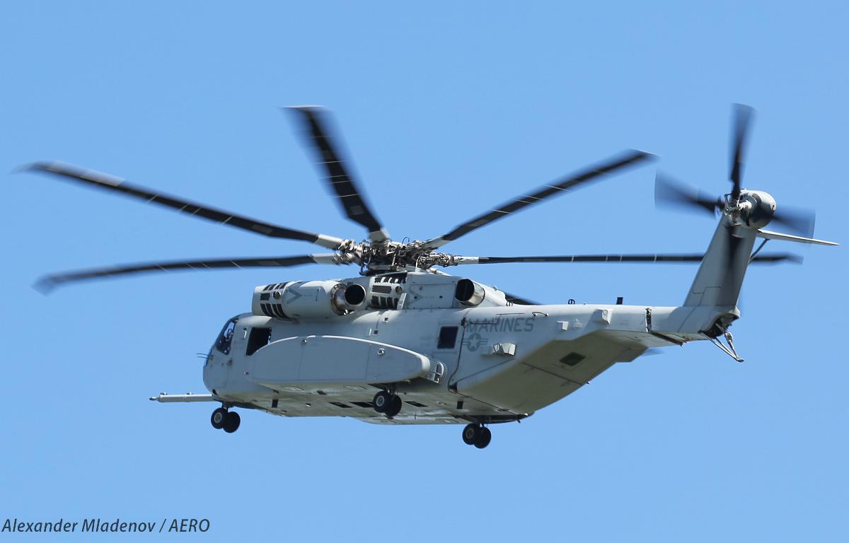 Первый предсерийный образец американского тяжелого транспортного вертолета Lockheed Martin CH-53K King Stallion на авиасалоне ILA 2018 в Берлине.