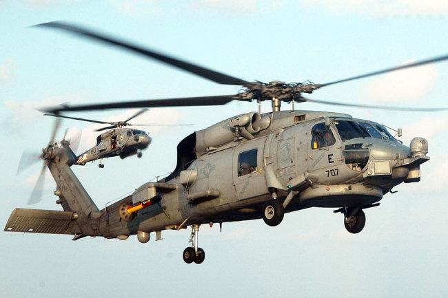 Вертолет MH-60S Seahawk.