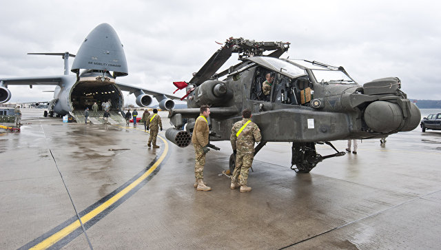 Вертолет ВВС США на американской авиабазе Рамштайн, Германия.