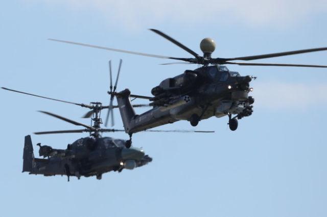 Вертолеты Ми-28 и Ка-52